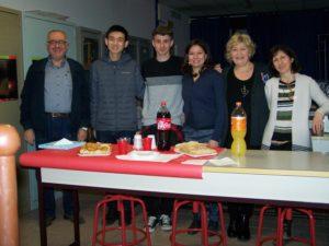 Nella foto i due studenti del MIT che hanno lavorato a Rozzano con alcuni dei docenti che hanno partecipato