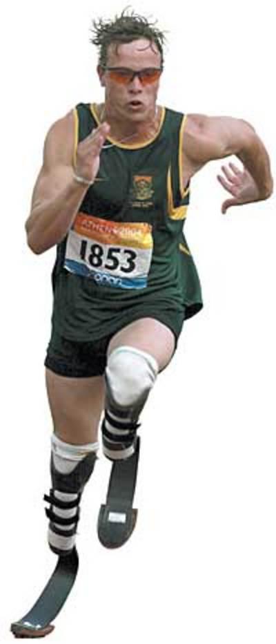 Oscar Pistorius mentre corre